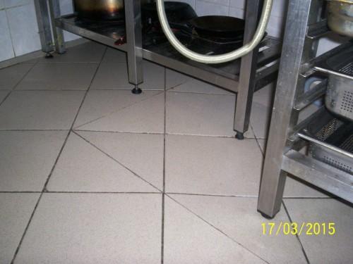 06 Chrudim podlaha a stěna v kuchyni po sanitaci