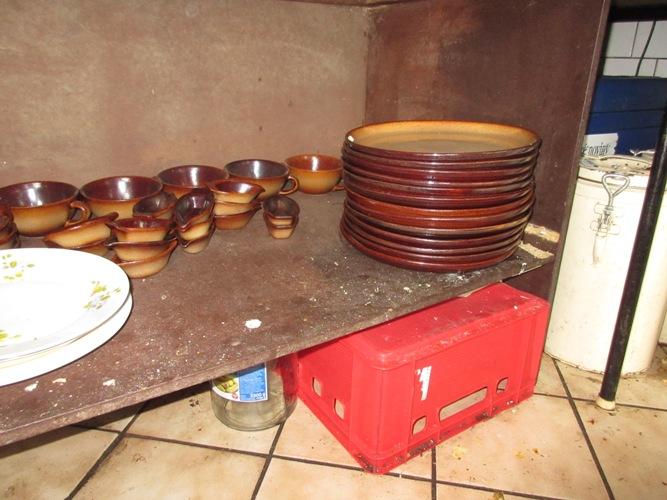 15-09-23 úložné plochy v kuchyni, hospoda Staré Ždánice