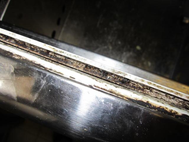 SV motorest tešnění lednice (2)