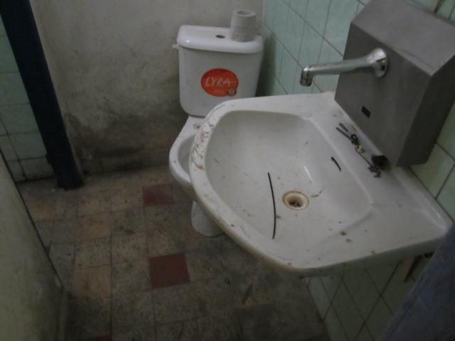 WC zaměstnaců v herně