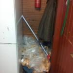 skladování pečiva ve stánku občerstvení